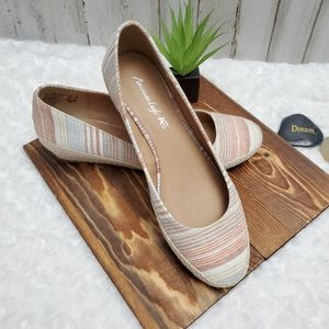 American Eagle Striped Canvas Short Wedges 10